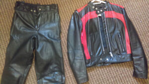 LEATHER MOTORCYCLE SUIT  one piece or unzips to a two piece