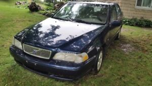 2000 Volvo S70 only 183,000kms