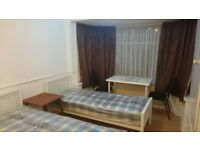 Double/Twin room to let in greenford for couple or 2 friends sharing