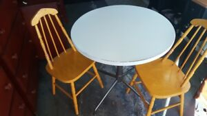 Retro table with chairs