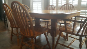 Solid Wood Kitchen/Dining Table with 6 Chairs and Corner Hutch