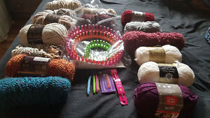 Knitting circle loom + long loom + yarn skeins + hooks and needl