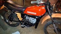 DS125 Suzuki dirt-bike