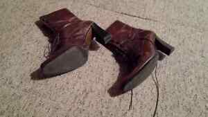 ladies shoes/sandals/boots - size 8 Kitchener / Waterloo Kitchener Area image 9