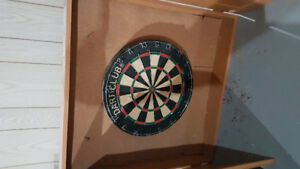 Dart board in nice wooden case