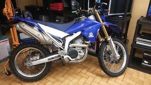 MOTOCROSS YAMAHA YR-250