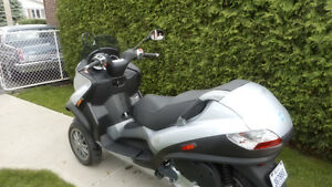 Scooter mp3 par Piaggio Vespa 250 cc - 2007