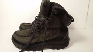 bottes d'hiver  - TIMBERLAND - homme - taille 9.5 VALEUR 200$