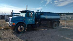 International single axle Tanker