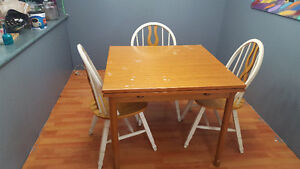 Expanding table 3 chair n bench seat