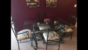 Kitchen Table, Chairs and Hutch