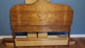 Antiquté: Lit et bureau antique