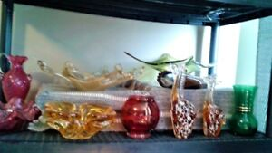 COLLECTION OF VINTAGE GLASS INCL ART GLASS, CARNIVAL, DEPRESSION