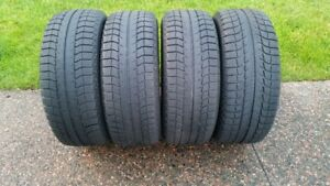 4 MICHELIN X ICE 225/55R/16 WINTER TIRES IN VERY GOOD CONDITION