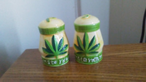 amsterdam salt and pepper shakers made in holland