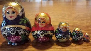 Beautiful Set of 5 Hand Painted Wooden Russian Nesting Dolls!
