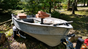 12 foot aluminum boat with floor storage and casting deck