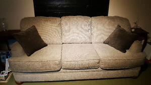 Full size couch Peterborough Peterborough Area image 1