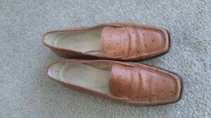 JOAN & DAVID Hand made in Italy Ostrich shoes,  Brown