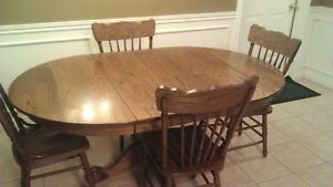Solid Oak Kitchen Table Windsor Region Ontario image 1