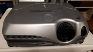Dukane ImagePro 8915 LCD conference room projector