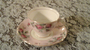 FINE BONE CHINA CUPS AND SAUCERS, COLCLOUGH, PINK / ROSES
