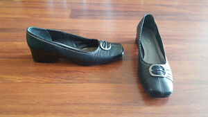 Women's Black Greenwich Village Shoes - Size 11 D