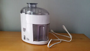 juicer almost new