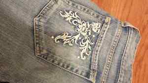 BRAND NEW Guess Jeans Size 24 Kingston Kingston Area image 5