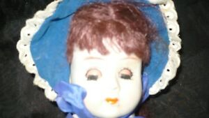 VINTAGE ADORABLE MID CENTURY BISQUE DOLL, CLOTH BODY Kitchener / Waterloo Kitchener Area image 3