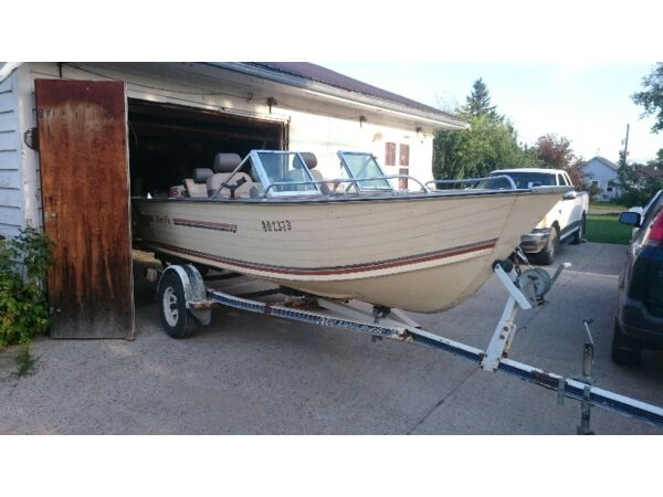 1983 Alumacraft Boat Co Blue Fin