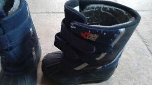 Maple Leaf Winter Boots-Toddler Size 7 Kitchener / Waterloo Kitchener Area image 4