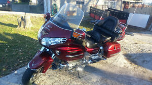 HONDA GOLD WING SPECIAL EDITION MOTORCYCLE & TRAILER