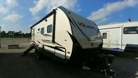 2019 Crossroads Volante 22RB Travel Trailer *COUPLES UNIT* London Ontario Preview