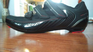 Specialized cycling shoes (NEW)