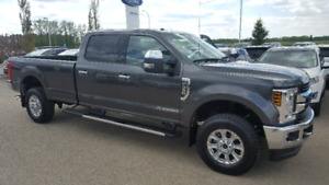 2018 Ford f350 Xlt premium package LOW KMS