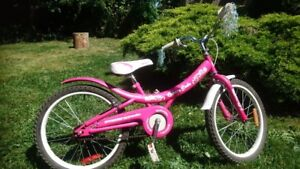 "Girls bike for sale (20"")"