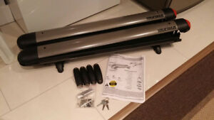 MINT like new Yakima Fatcat 6 ski and snowboard rack