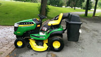 John Deere D140 Lawn Tractor with Twin Bag Collection Syste