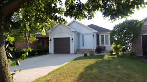 3 bedroom Beautiful bungalow house for rent (69 Moir cres.Barrie