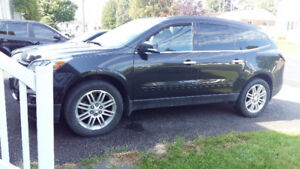 Beautiful Black 2015 Chevrolet Traverse LT **Mint S/E