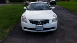 $3,300 Sporty 2008 Nissan Altima Coupe