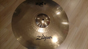 Cymbales Zildjian ZXT ride, Crash Sabian XS20...pas cher....