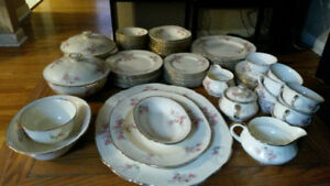 Alfred Meakin Dinnerware set: Royal Marigold