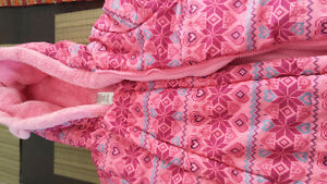 Almost new 3-6 months baby girls snow suit Cambridge Kitchener Area image 2