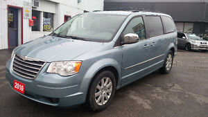 2010 Chrysler Town & Country LOADED 216,000km Safety/E-tested!