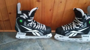 FOR SALE SIZE 7.5 MEN'S ICE SKATES