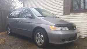 """AMAZING SHAPE /1 OWNER"" 2001 Honda Odyssey (RUST FREE)"