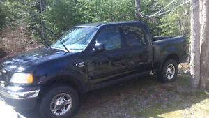 2002 Ford F-150 SuperCrew Lariat Pickup Truck For Parts