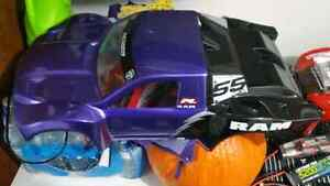 4wd Traxxas with lots of upgrades and spare parts  Regina Regina Area image 3